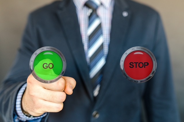 go or stop buttons